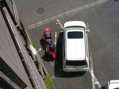 スカレッドはBONカーの横に位置づける。