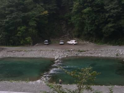 なるほど、こういう道は渓流釣りのメッカでもあるのか。