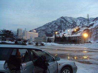帰りに撮影。苗場プリンスホテルを要する巨大スキー場の黄昏…